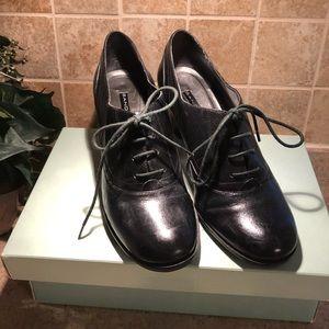 Bandolino Black Leather lace up shoes 7.5